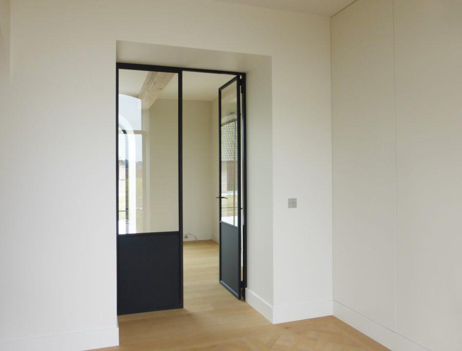 Stalen dubbel opendraaiende deur open GV Tielt